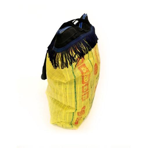 "upcycled XL shopper, ""Fringes"" made of recycled ricebag , Tasche aus recyceltem Kunststoff, Reissack"