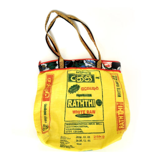 """upcycled XL shopper, """" Flowery"""" made of recycled ricebag , Tasche aus recyceltem Kunststoff, Reissack"""