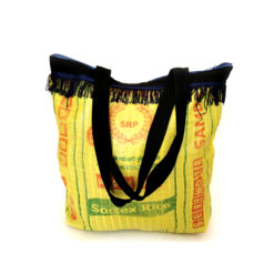 "upcycled XL shopper, ""Fringes"" made of recycled ricebag , Tasche aus recyceltem Kunststoff, Reissack"