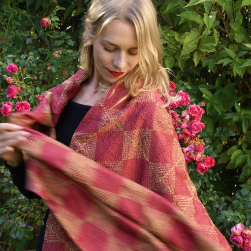 """Kantha Scarf """"Neela"""" upcycled Sari fabric Seidenschal mit julia Dietze"""